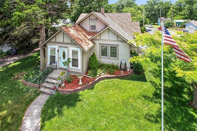 700 S Independence Street, Harrisonville, MO 64701 (#2114158) :: Edie Waters Network