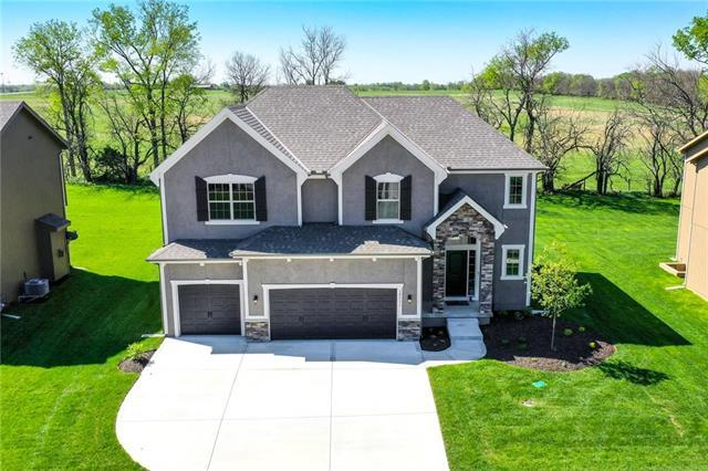 18511 W 194th Terrace, Spring Hill, KS 66083 (#2115657) :: House of Couse Group