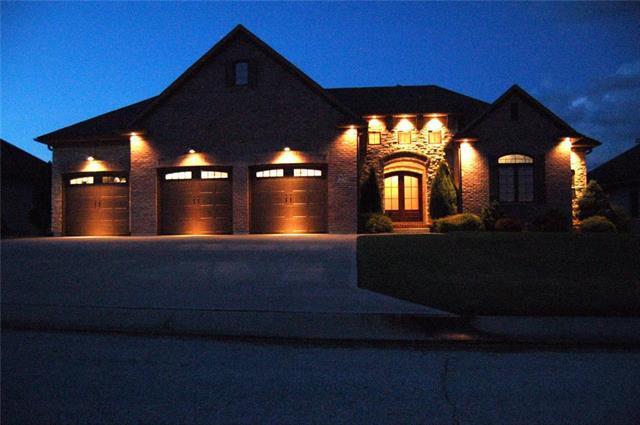 1254 Vivian Drive, Warrensburg, MO 64093 (#2116241) :: Char MacCallum Real Estate Group