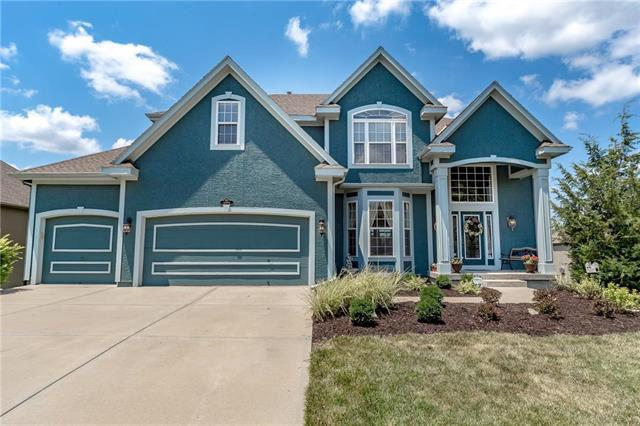 14994 S Glen Eyrie Street, Olathe, KS 66061 (#2117013) :: Edie Waters Network