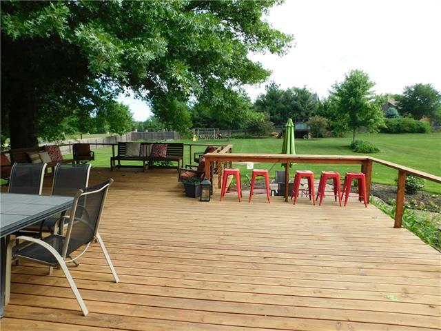 8670 W 147TH Terrace, Overland Park, KS 66223 (#2117872) :: Edie Waters Network