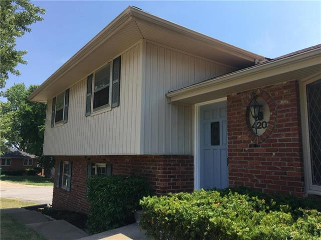 4201 E 104th Terrace, Kansas City, MO 64137 (#2118329) :: Edie Waters Network