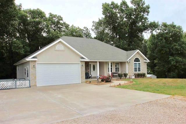 673 NW 11 Road, Warrensburg, MO 64093 (#2118397) :: Edie Waters Network