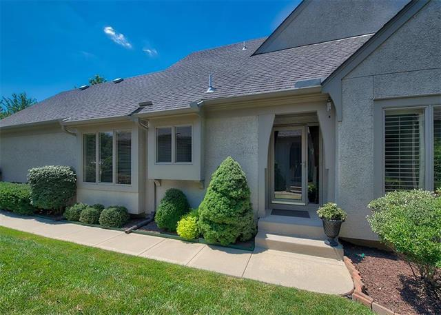 7210 W 144th Terrace, Overland Park, KS 66223 (#2121249) :: Edie Waters Network