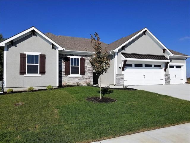 529 SE Linden Drive, Blue Springs, MO 64014 (#2122717) :: Edie Waters Network