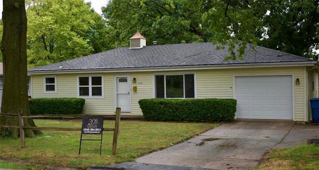 10504 E Lexington Avenue, Sugar Creek, MO 64054 (#2124295) :: Char MacCallum Real Estate Group
