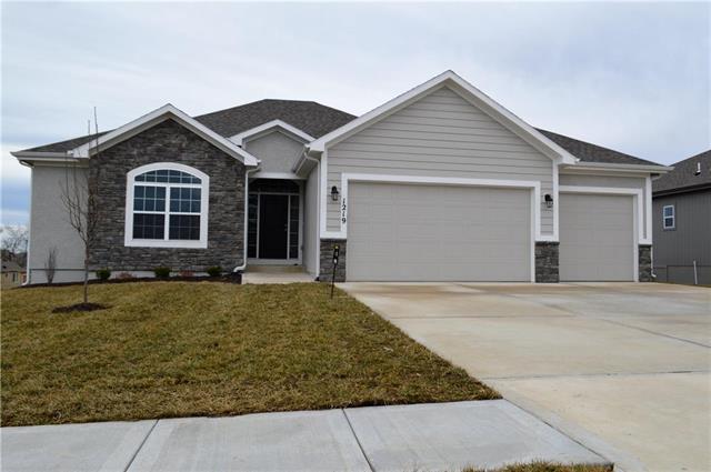 1219 NW 94 Terrace, Kansas City, MO 64155 (#2126501) :: Kansas City Homes
