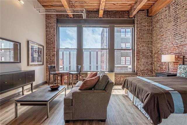 308 W 8th Street #304, Kansas City, MO 64105 (#2127142) :: Char MacCallum Real Estate Group