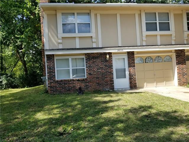 14110 Merrywood Circle, Grandview, MO 64030 (#2128073) :: Edie Waters Network