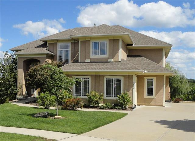5422 W 164TH Place, Overland Park, KS 66085 (#2129247) :: Edie Waters Network