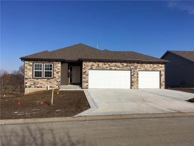 10608 Augusta Drive, Kansas City, KS 66109 (#2129438) :: No Borders Real Estate