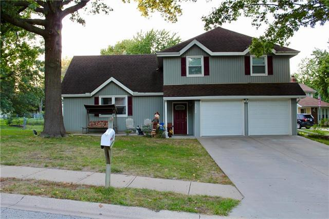 312 Bittersweet Lane, Lansing, KS 66043 (#2129627) :: No Borders Real Estate
