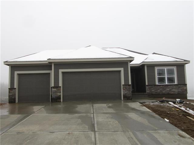 1312 NW Lindenwood Drive, Grain Valley, MO 64029 (#2131044) :: No Borders Real Estate