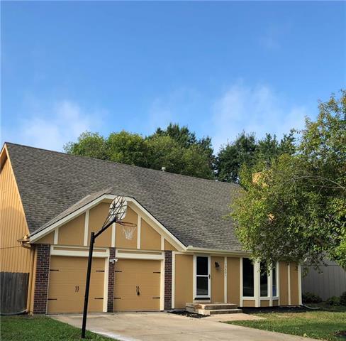 15801 W 147th Terrace, Olathe, KS 66062 (#2131849) :: No Borders Real Estate