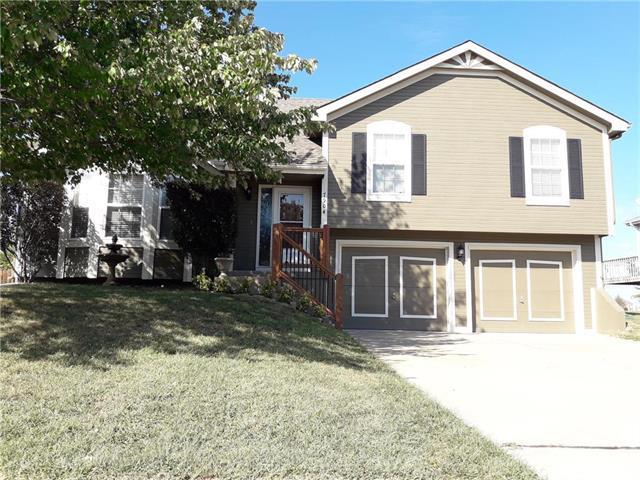 7904 NE 107th Terrace, Kansas City, MO 64157 (#2132680) :: Edie Waters Network