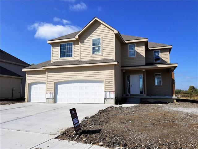 553 SE Colonial Drive, Blue Springs, MO 64014 (#2134236) :: Edie Waters Network