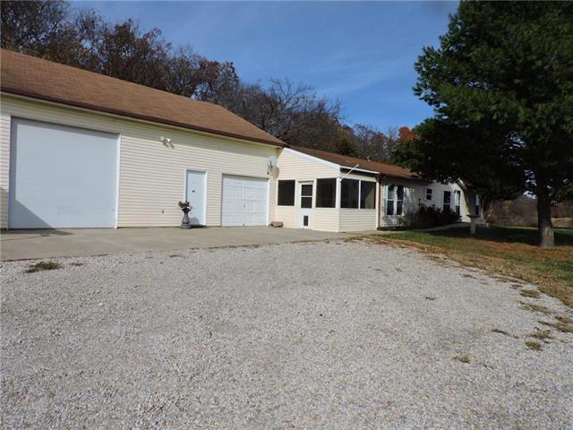 3805 Osage Road, Perry, KS 66073 (#2134521) :: Edie Waters Network
