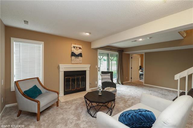 218 Lakeside Drive, Liberty, MO 64068 (#2136396) :: No Borders Real Estate