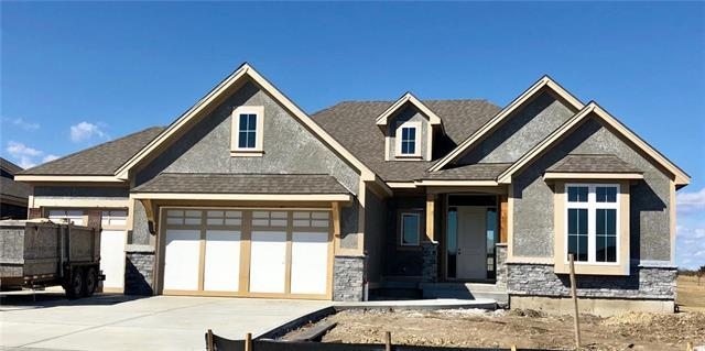3030 W 157th Court, Overland Park, KS 66224 (#2137369) :: Edie Waters Network