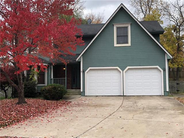 19005 E 31st Terr Court, Independence, MO 64057 (#2137536) :: Edie Waters Network