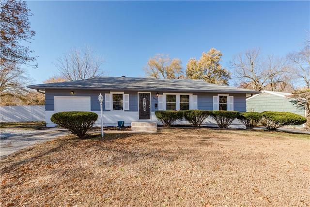 9914 Wheeling Avenue, Kansas City, MO 64134 (#2139152) :: No Borders Real Estate