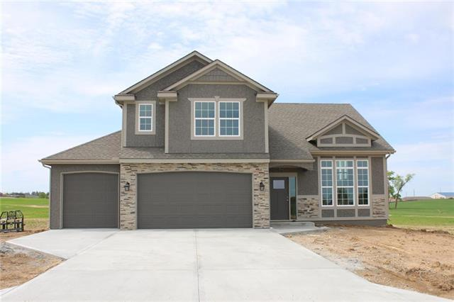 15513 Lakeside Drive, Basehor, KS 66007 (#2139297) :: House of Couse Group