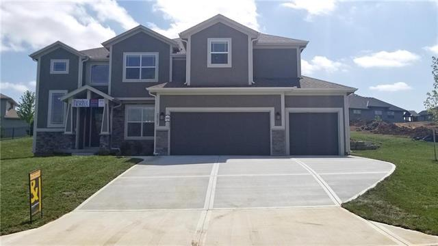 20307 W 79th Terrace, Shawnee, KS 66218 (#2141311) :: Kansas City Homes