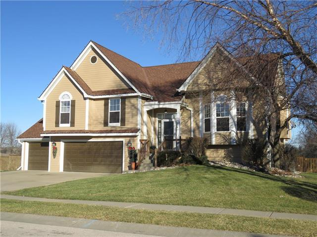 9929 N Highland Place, Kansas City, MO 64155 (#2142345) :: Edie Waters Network