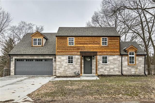 8409 NW Highridge Road, Parkville, MO 64152 (#2143149) :: Edie Waters Network
