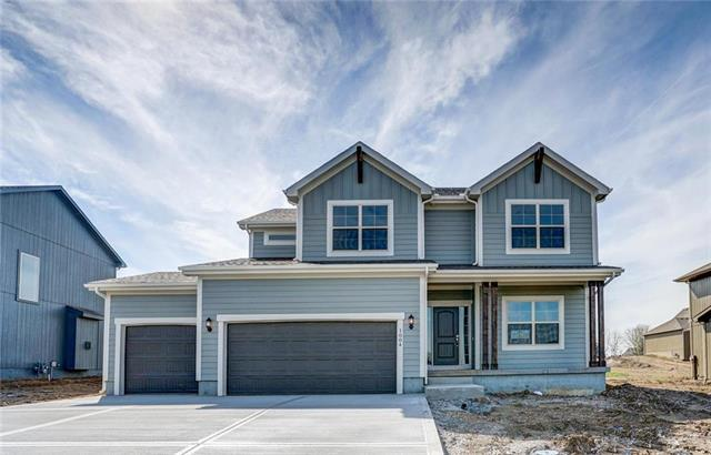 1004 NE Brookfield Drive, Lee's Summit, MO 64086 (#2143395) :: No Borders Real Estate