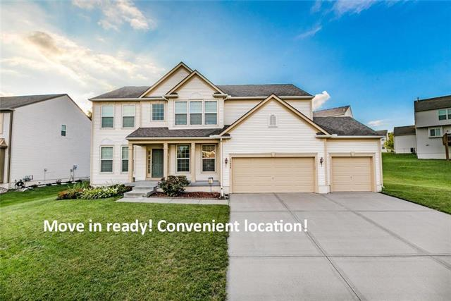 11426 S Chouteau Street, Olathe, KS 66061 (#2143993) :: Edie Waters Network