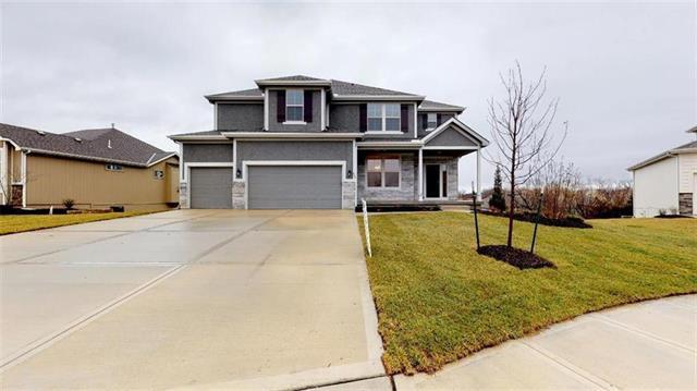 820 Canyon Lane, Lansing, KS 66043 (#2144340) :: House of Couse Group