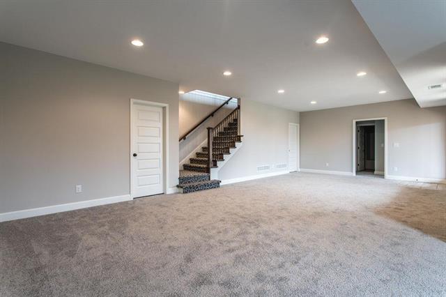 31401 W 83rd Circle, Desoto, KS 66018 (#2144821) :: No Borders Real Estate