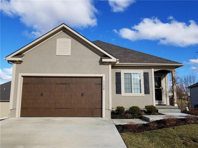 2208 NW Eclipse Court, Blue Springs, MO 64015 (#2144924) :: No Borders Real Estate