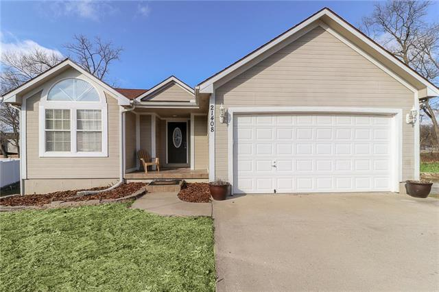 21408 E 51st St Ct S N/A, Blue Springs, MO 64015 (#2145086) :: Edie Waters Network