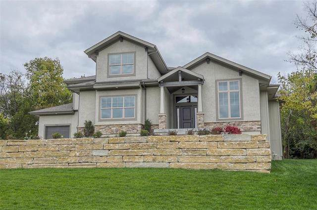 9713 Hollis Lane, Lenexa, KS 66227 (#2145938) :: The Shannon Lyon Group - ReeceNichols