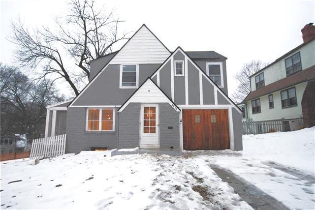 4834 Terrace Street, Kansas City, MO 64112 (#2147565) :: Edie Waters Network