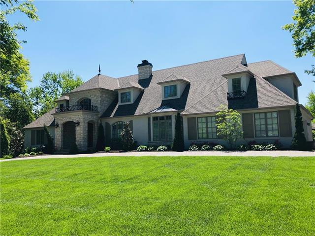 2425 W 67th Street, Mission Hills, KS 66208 (#2147935) :: House of Couse Group