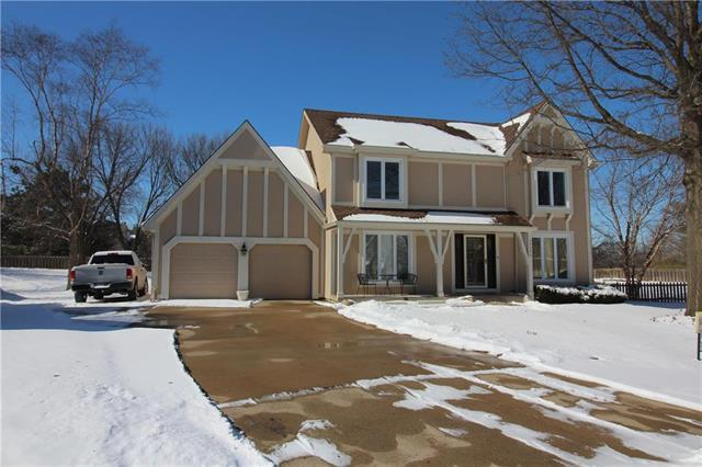 11125 W 109th Terrace, Overland Park, KS 66210 (#2148049) :: Eric Craig Real Estate Team