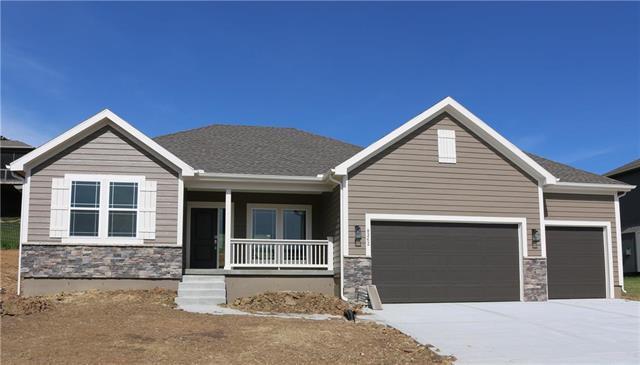 8262 Primrose Street, Desoto, KS 66018 (#2150866) :: Kansas City Homes