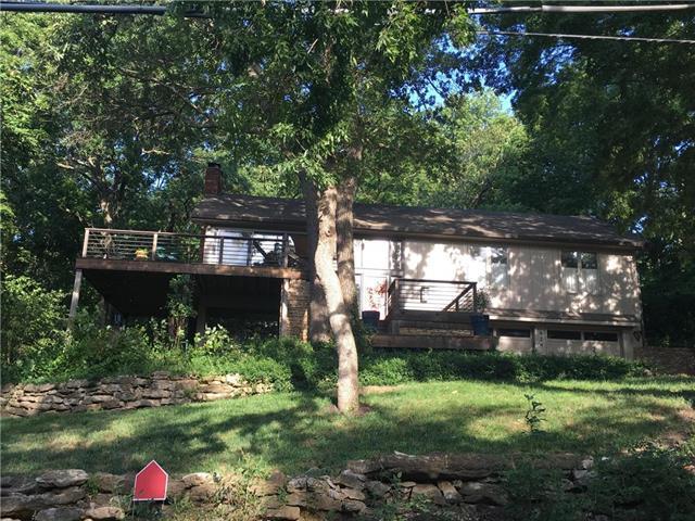 424 Navajo Lane, Lake Quivira, KS 66217 (#2150933) :: Team Real Estate