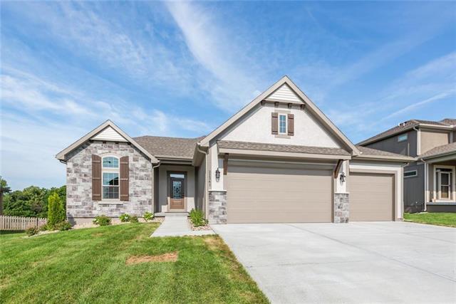 22341 S Roosevelt Street, Spring Hill, KS 66083 (#2151852) :: Kansas City Homes