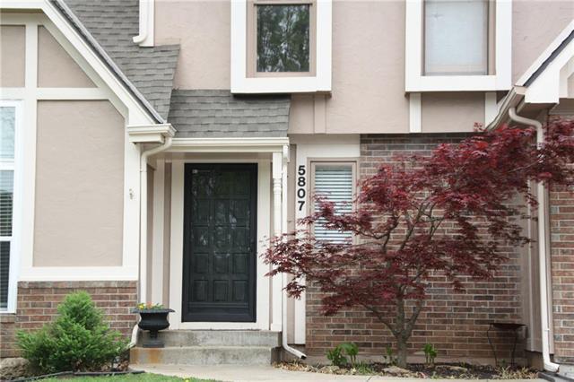 5807 W 157th Terrace, Overland Park, KS 66223 (#2152680) :: House of Couse Group
