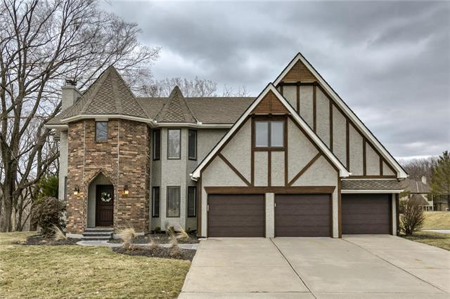 5501 N Woodhaven Lane, Parkville, MO 64152 (#2153048) :: No Borders Real Estate