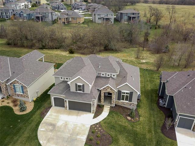 16429 Perry Street, Overland Park, KS 66085 (#2153878) :: House of Couse Group