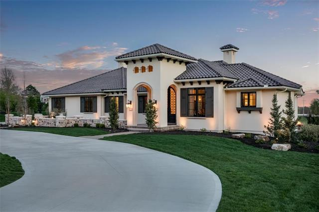 10303 W 156th Terrace, Overland Park, KS 66221 (#2154642) :: House of Couse Group