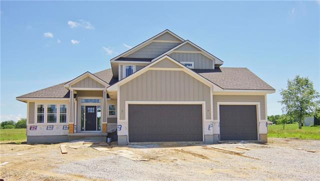 10907 Timber Creek Drive, Peculiar, MO 64078 (#2154724) :: House of Couse Group