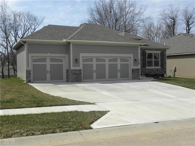 218 N Marimack Drive, Kearney, MO 64060 (#2154858) :: House of Couse Group