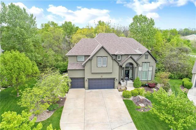2544 W 132nd Terrace, Leawood, KS 66209 (#2156467) :: No Borders Real Estate