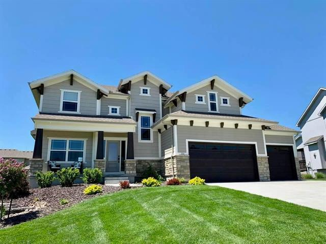 104 NW Whitman Drive, Lee's Summit, MO 64081 (#2157013) :: House of Couse Group